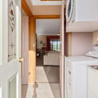 Two-Bedroom Cottage - Cherry