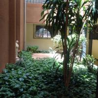 Hotel Pictures: La Rose des Sables, Ouagadougou