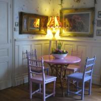 Hotel Pictures: Pear Blossom House, Mur-de-Bretagne