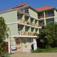 Iskander Hotel