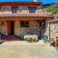 Hotel Pictures: Casa Rural Entre Valles, Benllera