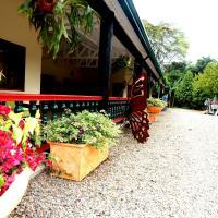 Hotel Pictures: Finca Hotel Adobe, Restrepo