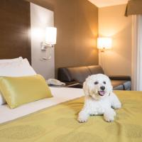 Deluxe King Room with Sofa Bed - Pet Friendly