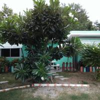 Family Fan Bungalow with Central Courtyard (4 Adults)