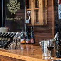 Hotel Pictures: Summerfield Winery and Accommodation, Moonambel