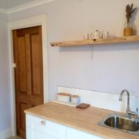 Hotel Pictures: Robin Hoods Well Farm Stay, Sassafras