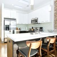 Two-Bedroom Apartment on North Southport Avenue 3