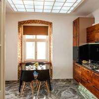 One-Bedroom Apartment with Balcony on Staroyevreyska 6