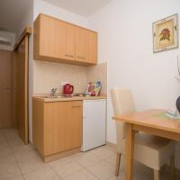 Apartment (2 Adults + 1 Child)