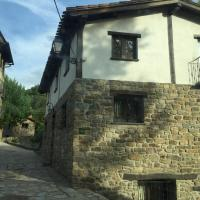Hotel Pictures: Casa Tio Conejo, San Román de Cameros