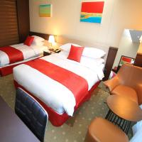 Deluxe Family Twin Room with Side Sea View