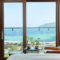 Deluxe Twin Room with Side Sea View