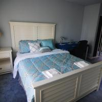 (3E) Master Suite with Private Bathroom near Daly City BART Subway Station
