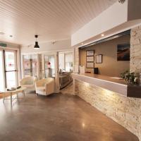 Hotel Pictures: Apartamentos Royal Life, Mahón