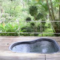 Deluxe Plunge Pool – Garden View