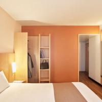Two Double Rooms Next to Each Other / Voisines
