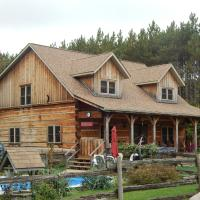 Hotel Pictures: MoonStone Bed and Breakfast, Oro-Medonte