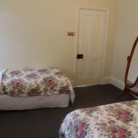 Hotel Pictures: Benambra Bed & Breakfast, Queenscliff