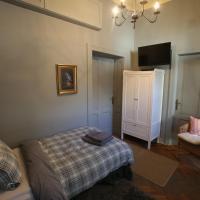 Superior Single Room with Shared Bathroom