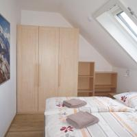 One-Bedroom Apartment with Balcony - Attic No 7