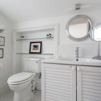 Four-Bedroom Apartment - Lady Margaret Road II
