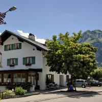 Foto Hotel: Gästehaus Linder Ferienwohnungen, Mittelberg