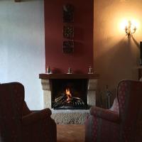 Hotel Pictures: Mas Pardas, Santa Pau