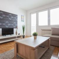 Luxury Two Bedroom - Street - 9-ti Maj 24-26