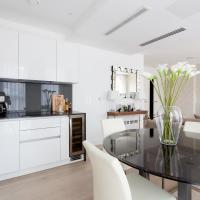 One-Bedroom Apartment - Central Avenue