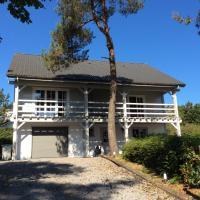 Hotel Pictures: Chalet Basic Plateau du Soleil, Septon