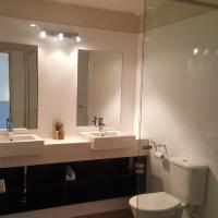 Luxury Two-Bedroom Apartment 5