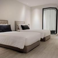Deluxe Room - Twin Bed