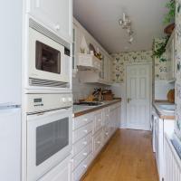 Two-Bedroom Apartment - Lansdowne Road II