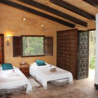 Hotel Pictures: Hotel Masia Sumidors, Sant Pere de Ribes