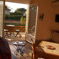 Double Bed Apartment with Terrace and Garden View