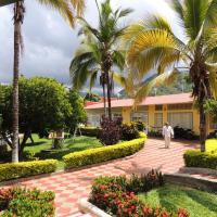 Hotel Pictures: Finca Hotel Villa Cristina, La Mesa
