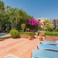 Hotel Pictures: Majestic Villa by the Beach, Benalmádena
