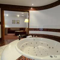 Honeymoon Suite with romantic package