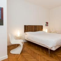 Two-Bedroom Apartment with Balcony - Lungadige Matteotti n.6