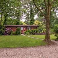 Hotel Pictures: Holiday home Chaletpark Kuiperberg, Ootmarsum