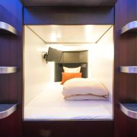 Deluxe Capsule Room for Male
