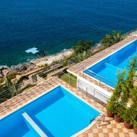 Seven-Bedroom Villa with Private Pool (14 Adults)