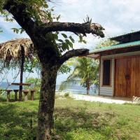 Hotel Pictures: Treetops B & B Inn, San Juanillo