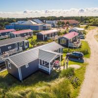 Hotel Pictures: Boomhiemke Holiday Park, Hollum