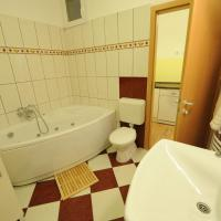 One-Bedroom Apartment with Bathtub - Toldi utca 5.