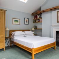 Four-Bedroom Apartment - Highbury Terrace