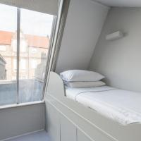 Two Bedroom Apartment - Lamont Road IV