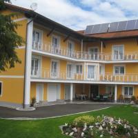 Hotel Pictures: Gästehaus Schlögl, Sankt Stefan im Rosental