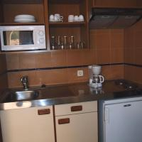 One-Bedroom Apartment with Balcony (2-4 Adults)