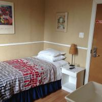 Single Room with Single Bed and Shared Bathroom